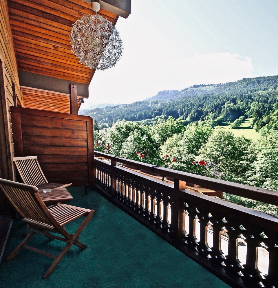 Balcony of the hotel on the top floor, view of the Aravis mountain range