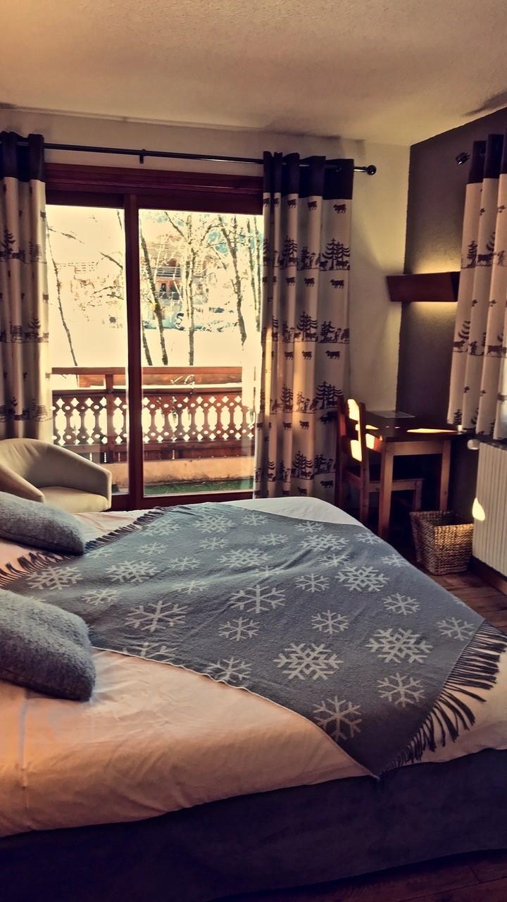Double room with balcony overlooking the Aravis mountain range
